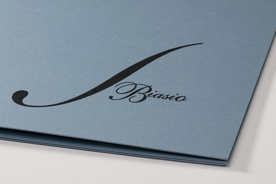 Menu Ristorante da Biasio, Dett. logo stampato a caldo su carta materica acqua. Tipografia Unione, Piccoli Stampati, Vicenza.