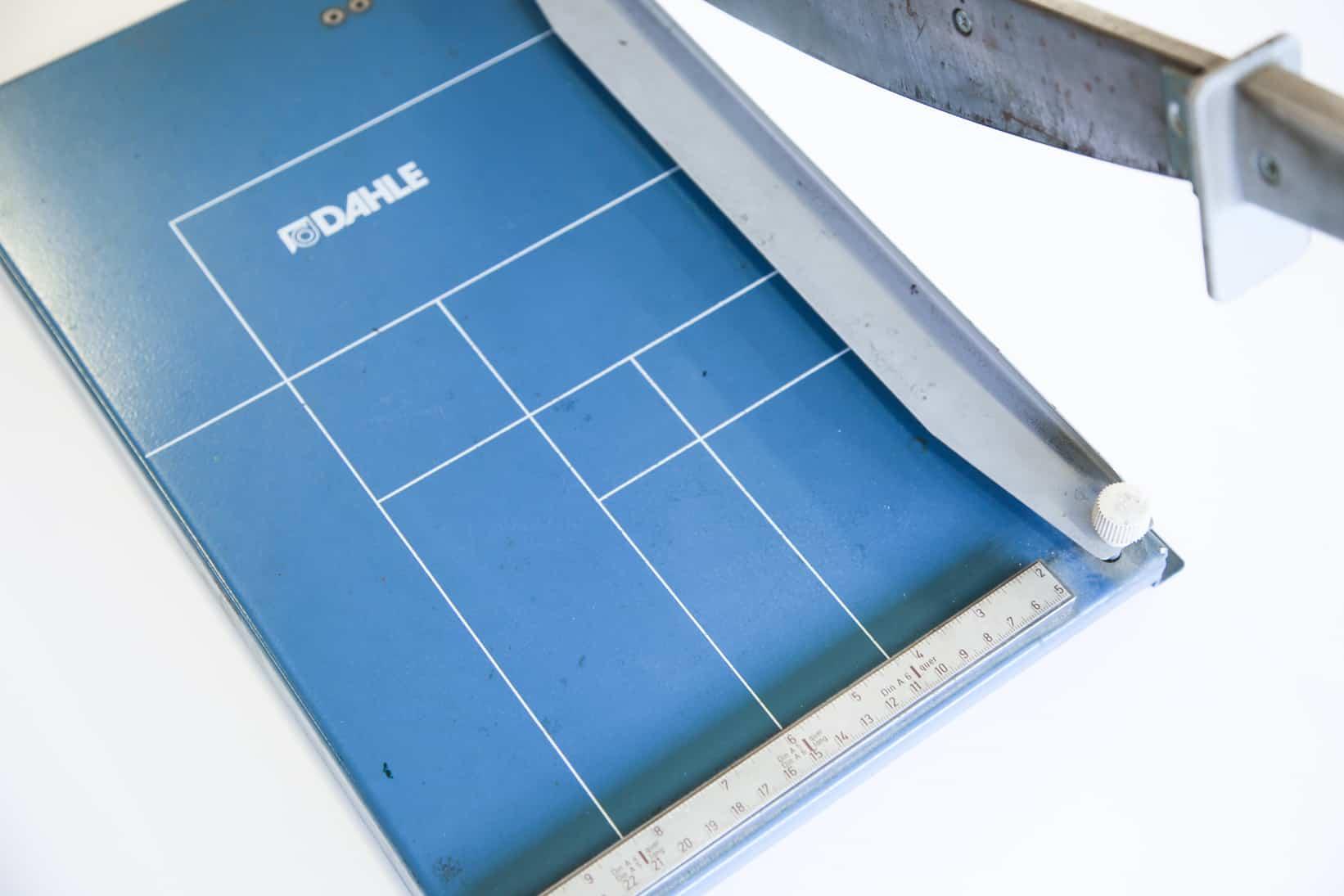 Taglierina normale per carta, al taglio. Tipografia Unione, Vicenza.